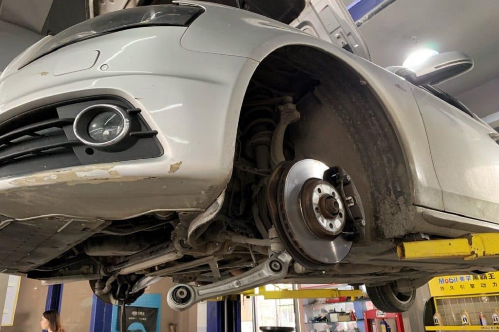 cuando se cambian los frenos del coche