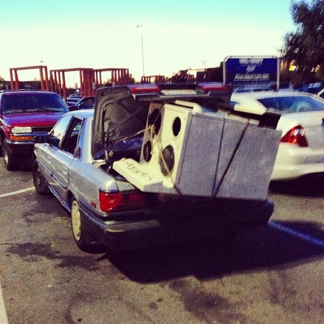 No sobre cargar de peso el coche